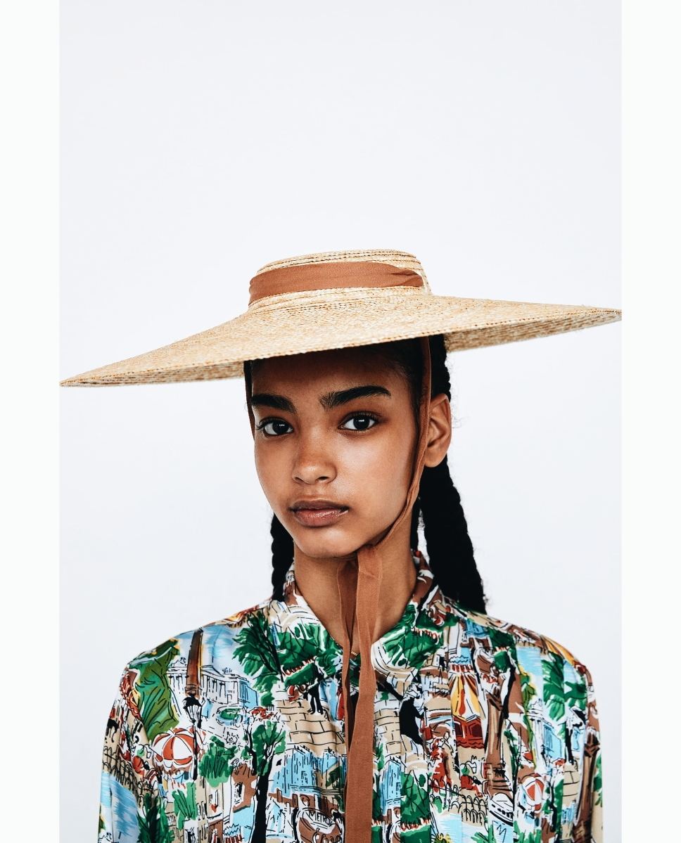 El icónico sombrero de paja firmado por Jacquemus que desde ahora podrás agregar a tu guardarropa (gracias Zara)